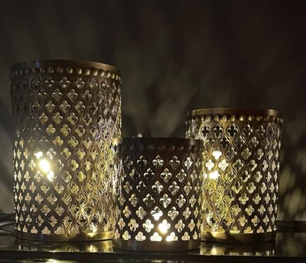Orientalische Teelichthalter aus Metall gold